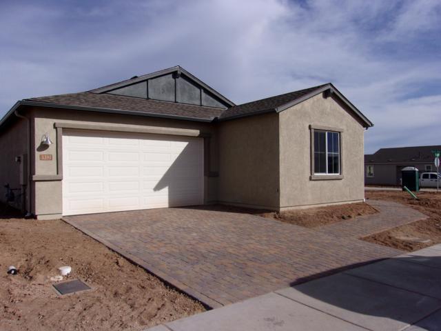 1390 Starling Street, Prescott, AZ 86301 (#1016877) :: HYLAND/SCHNEIDER TEAM