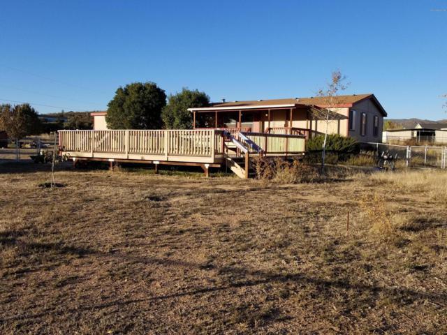 355 N Yarber Wash Road, Dewey-Humboldt, AZ 86327 (#1016961) :: HYLAND/SCHNEIDER TEAM