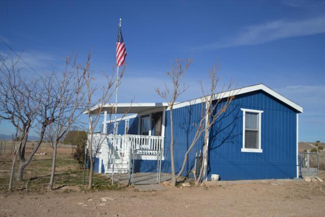 380 E Abra Road, Paulden, AZ 86334 (#1017075) :: HYLAND/SCHNEIDER TEAM