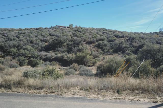 11375 E Nancy Lane, Dewey-Humboldt, AZ 86327 (#1017328) :: Shelly Watne