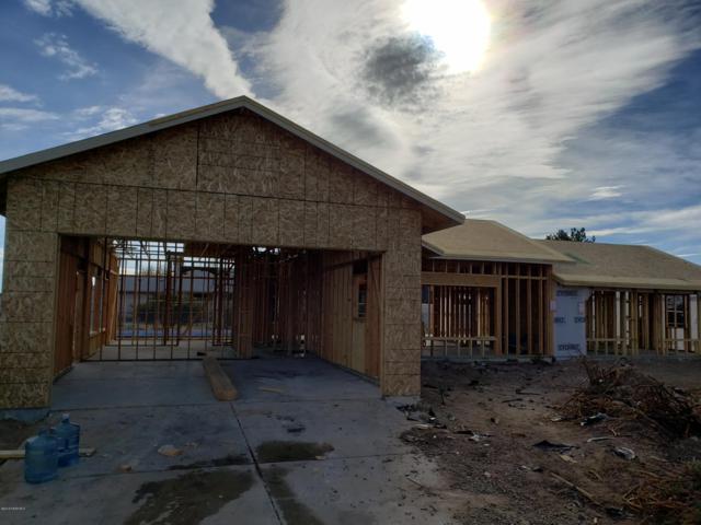 7643 E Las Flores Avenue, Prescott Valley, AZ 86314 (#1017418) :: HYLAND/SCHNEIDER TEAM