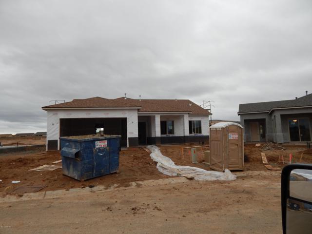 6037 E Bower Lane, Prescott Valley, AZ 86314 (#1017896) :: HYLAND/SCHNEIDER TEAM