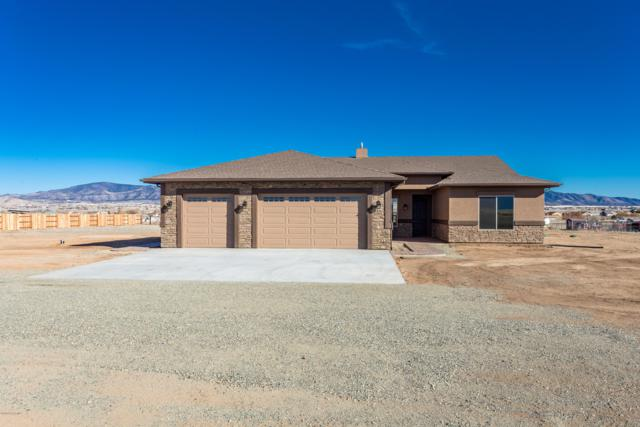 7325 E Trottin Down Road, Prescott Valley, AZ 86315 (#1017919) :: HYLAND/SCHNEIDER TEAM