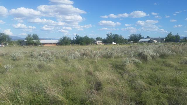 2710 N Hopi Lane, Chino Valley, AZ 86323 (#1018210) :: HYLAND/SCHNEIDER TEAM