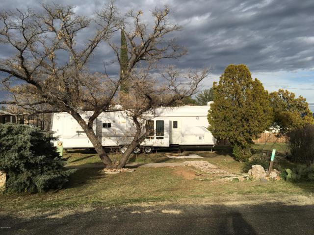 17204 E Fairway Drive, Mayer, AZ 86333 (#1018604) :: HYLAND/SCHNEIDER TEAM