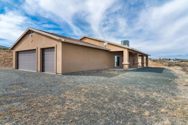 10400 E Powerline Road, Dewey-Humboldt, AZ 86327 (#1018729) :: HYLAND/SCHNEIDER TEAM