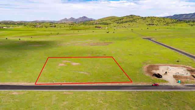 Tbd E Side Saddle, Prescott Valley, AZ 86315 (#1018816) :: HYLAND/SCHNEIDER TEAM