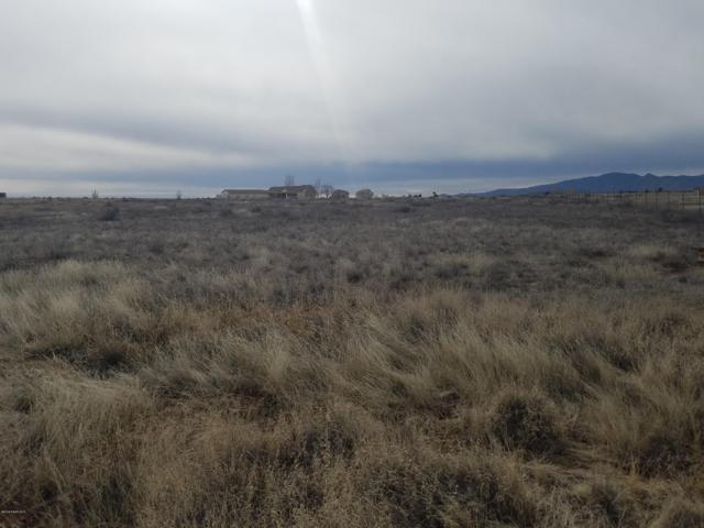 9345 E Pronghorn (154W) Lane, Prescott Valley, AZ 86315 (#1018819) :: Shelly Watne