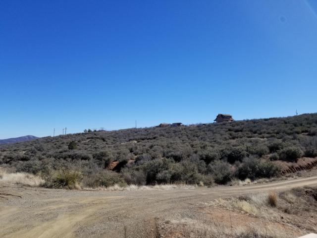 11095 E Pagosa, Dewey-Humboldt, AZ 86327 (#1019378) :: HYLAND/SCHNEIDER TEAM