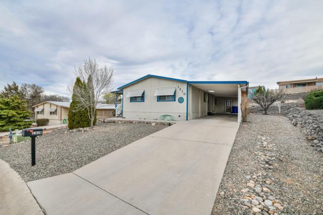 1310 Lago Vista, Prescott, AZ 86301 (#1019421) :: HYLAND/SCHNEIDER TEAM