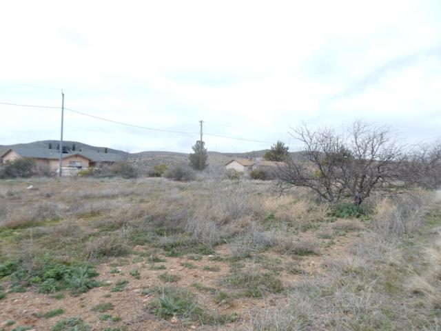20203 E Mesa Verde Road, Mayer, AZ 86333 (#1019484) :: HYLAND/SCHNEIDER TEAM