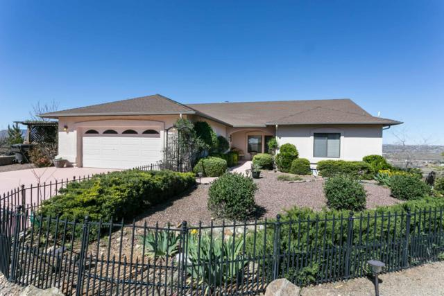 1425 S Golden View Drive, Dewey-Humboldt, AZ 86327 (#1020133) :: Shelly Watne