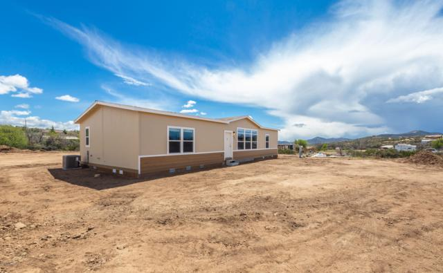 801 N Lipazzon Lane, Dewey-Humboldt, AZ 86327 (#1020247) :: HYLAND/SCHNEIDER TEAM