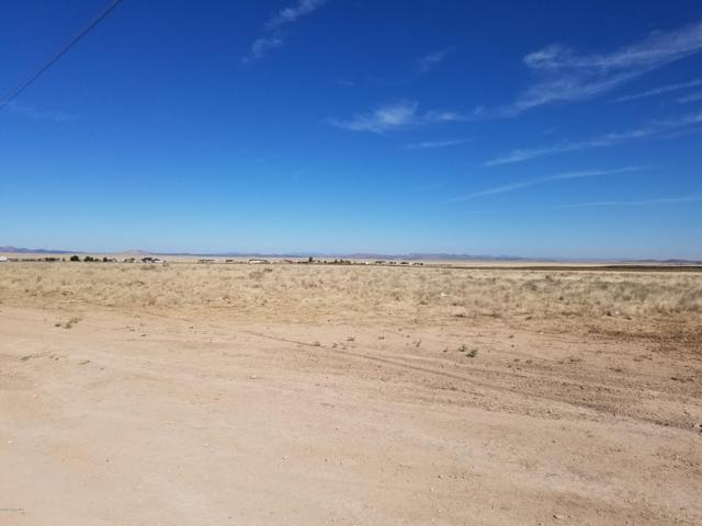 Parcel B Off Antelope Medows Drive, Prescott Valley, AZ 86315 (#1021545) :: Shelly Watne