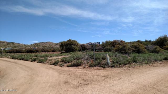 1815 N Dynamite Way, Dewey-Humboldt, AZ 86327 (#1022078) :: Shelly Watne