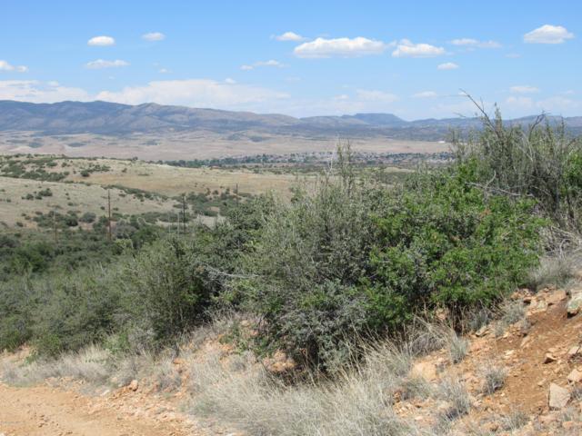 140 S Hideaway Drive, Dewey-Humboldt, AZ 86327 (#1022132) :: Shelly Watne