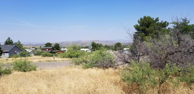 20064 E Mingus Drive, Mayer, AZ 86333 (#1022301) :: HYLAND/SCHNEIDER TEAM