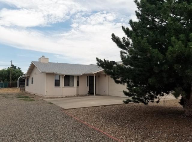 8547 E Lakeshore Drive, Prescott Valley, AZ 86314 (#1022878) :: HYLAND/SCHNEIDER TEAM