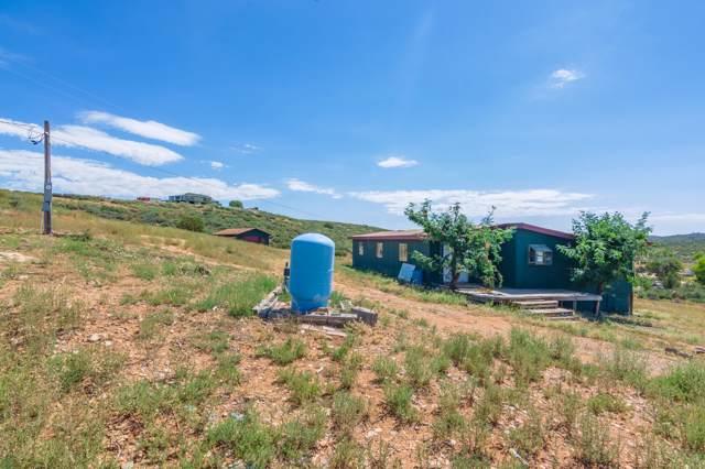 1775 S Premonition Lane, Dewey-Humboldt, AZ 86327 (#1024530) :: HYLAND/SCHNEIDER TEAM