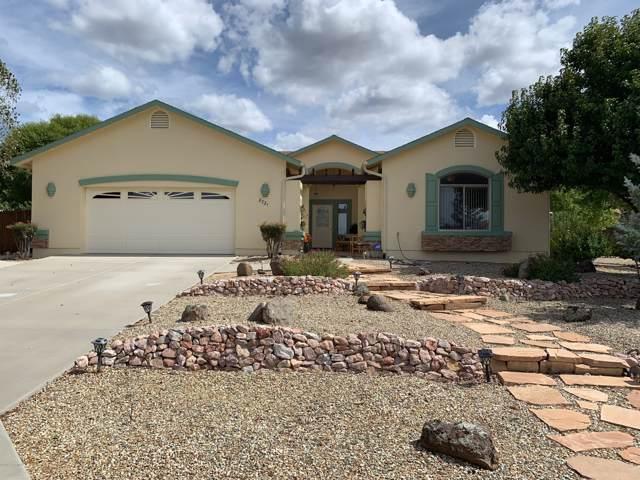 8721 Powderhorn Lane, Prescott Valley, AZ 86315 (#1024834) :: HYLAND/SCHNEIDER TEAM