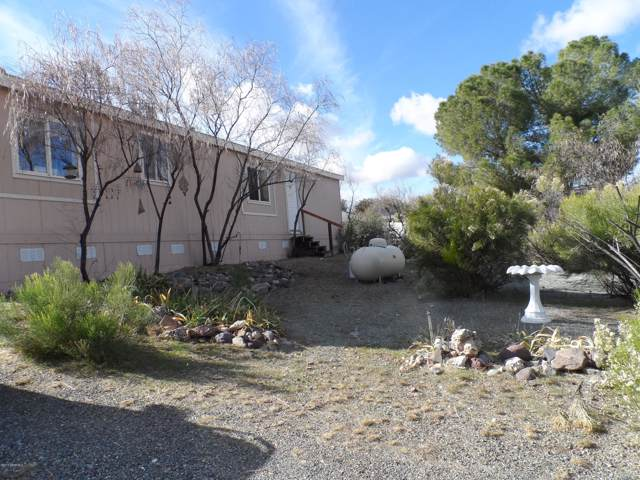 20885 E Prickly Pear Drive, Mayer, AZ 86333 (#1026284) :: HYLAND/SCHNEIDER TEAM
