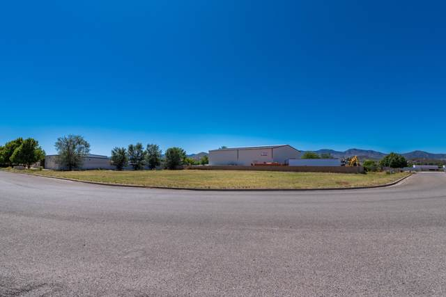 00 S Henrickson L, Dewey-Humboldt, AZ 86327 (#1026901) :: HYLAND/SCHNEIDER TEAM