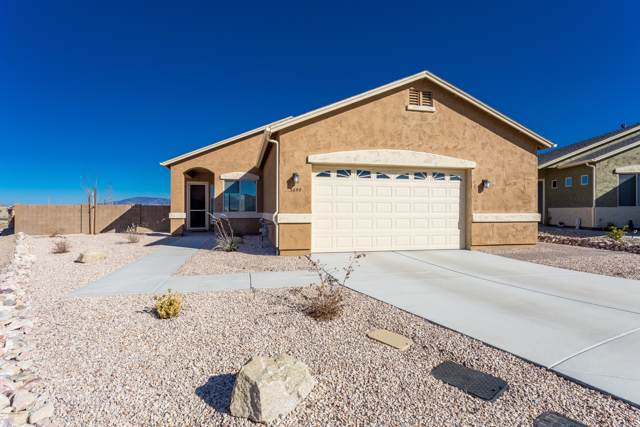 5895 N Elton Place, Prescott Valley, AZ 86314 (#1026948) :: HYLAND/SCHNEIDER TEAM