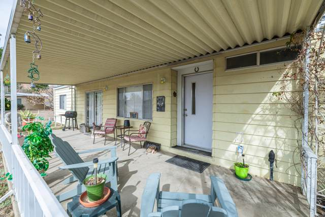 10480 E Buckskin Drive, Dewey-Humboldt, AZ 86327 (#1027118) :: HYLAND/SCHNEIDER TEAM