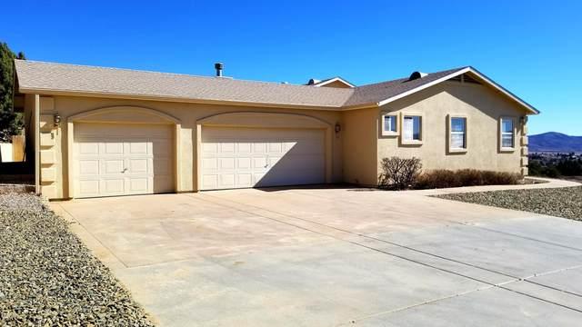 11210 E Ironwood Lane, Dewey-Humboldt, AZ 86327 (#1027349) :: Shelly Watne