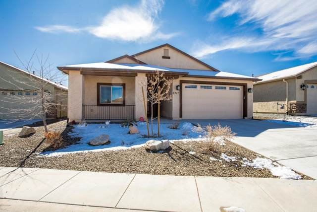 7417 E Green Vista, Prescott Valley, AZ 86315 (#1027598) :: HYLAND/SCHNEIDER TEAM