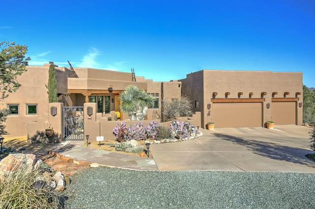 6500 W Singing Wolf Lane, Prescott, AZ 86305 (#1027607) :: HYLAND/SCHNEIDER TEAM