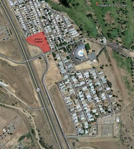 811 N Village Way, Dewey-Humboldt, AZ 86327 (#1027650) :: Shelly Watne