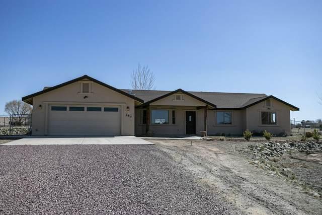187 N Sycamore Vista Drive, Chino Valley, AZ 86323 (#1027726) :: HYLAND/SCHNEIDER TEAM