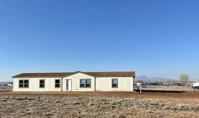 11220 N Ohana Lane, Prescott Valley, AZ 86315 (#1027782) :: Shelly Watne