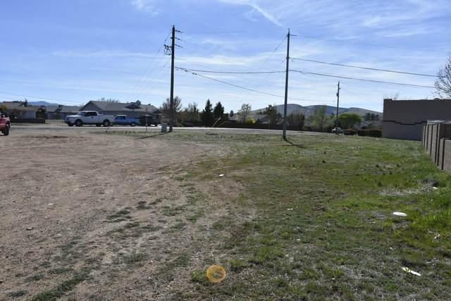 8066 Spouse Drive, Prescott Valley, AZ 86314 (#1027892) :: Shelly Watne