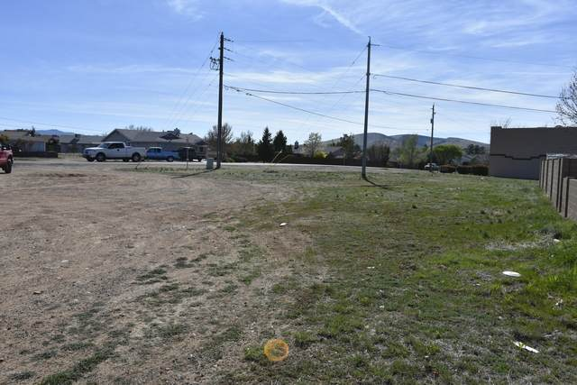 8967 E Laredo Drive, Prescott Valley, AZ 86314 (#1027893) :: Shelly Watne