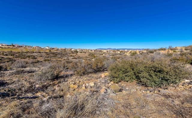 1447 Lucky Draw Drive, Prescott Valley, AZ 86314 (#1027922) :: Shelly Watne