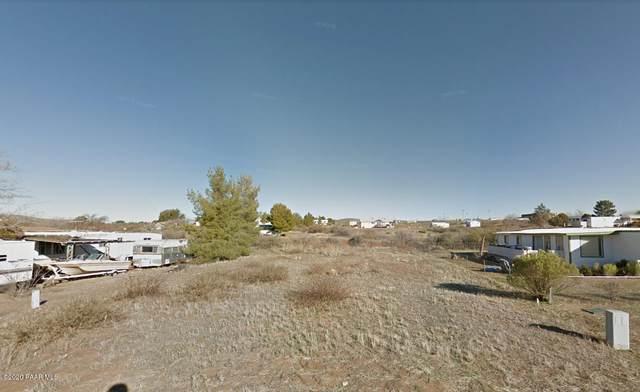 17220 E Meadow Lane, Mayer, AZ 86333 (#1027952) :: Shelly Watne
