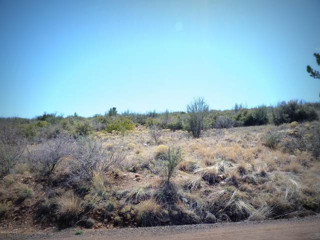 1025 Seminole Circle, Dewey-Humboldt, AZ 86327 (MLS #1028165) :: Conway Real Estate