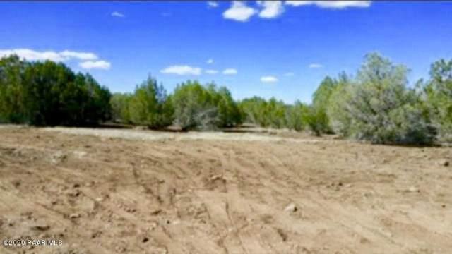 10 Acre W Of Parcel 192 Juniperwoodranch, Ash Fork, AZ 86320 (#1028289) :: West USA Realty of Prescott