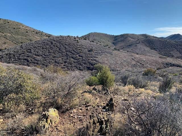 3400 S Mariposa Hill Road, Dewey-Humboldt, AZ 86329 (#1028445) :: Shelly Watne