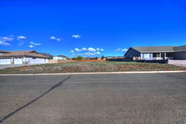 8705 N Roughrider Road, Prescott Valley, AZ 86315 (#1028489) :: HYLAND/SCHNEIDER TEAM