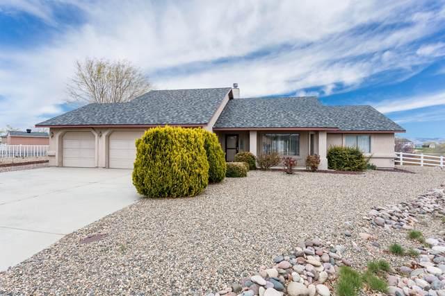 997 Laura Court, Chino Valley, AZ 86323 (#1028766) :: HYLAND/SCHNEIDER TEAM