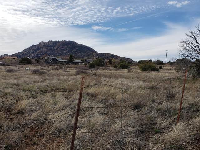 2106 W Stringfield Drive, Prescott, AZ 86305 (#1028783) :: HYLAND/SCHNEIDER TEAM