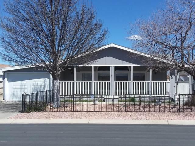 585 N Vermilion Drive, Prescott Valley, AZ 86314 (#1028816) :: HYLAND/SCHNEIDER TEAM
