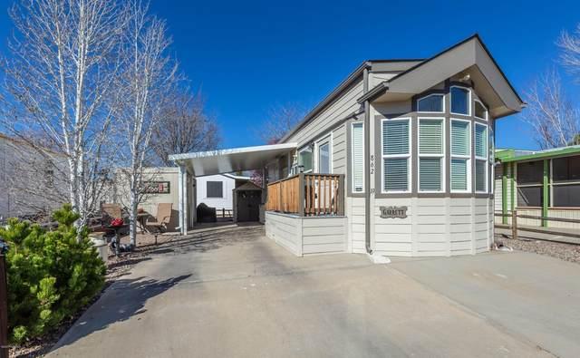 862 N Creekview Drive, Prescott Valley, AZ 86314 (#1028877) :: HYLAND/SCHNEIDER TEAM