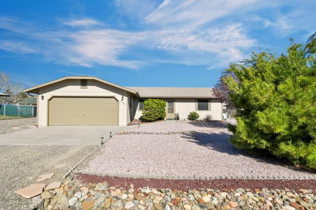 7890 E Larkspur Lane, Prescott Valley, AZ 86314 (#1028964) :: Shelly Watne