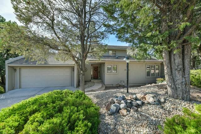 2225 Skyline Drive, Prescott, AZ 86303 (#1029404) :: Shelly Watne