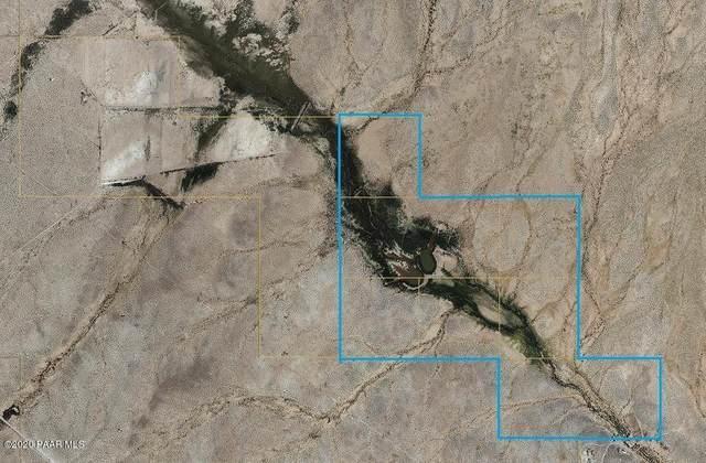 2xxx Aguila Road, Aguila, AZ 85320 (#1029803) :: West USA Realty of Prescott