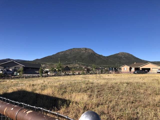 9360 N Snapdragon Drive, Prescott Valley, AZ 86315 (MLS #1029896) :: Conway Real Estate